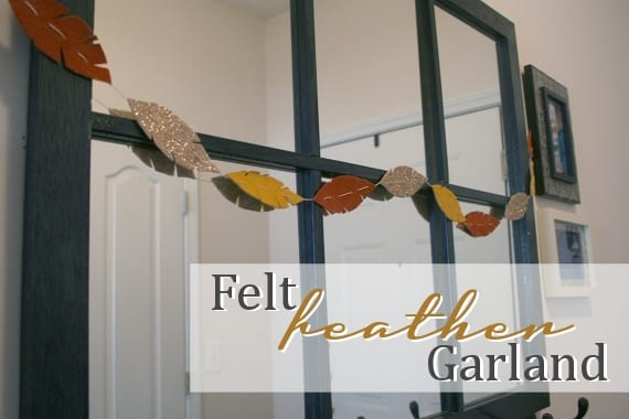 DIY felt fall garland! Cute feather DIY that can be done in an afternoon.