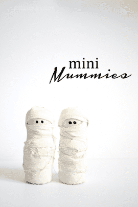 Halloween Mini Mummies! Adorable, easy craft and I love that they are neutral!