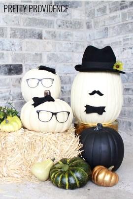No-carve pumpkin people! Cute black and white pumpkin idea for a modern fall or halloween porch!