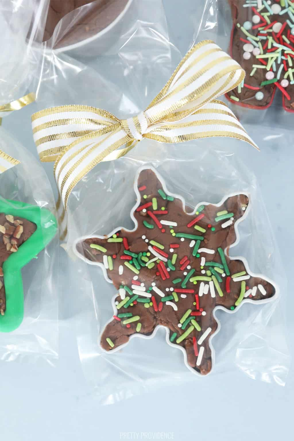 fudge-filled-cookie-cutter-gift-idea1