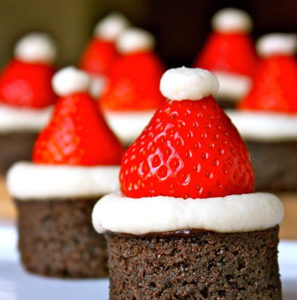 santa-hat-brownies1-e1345424440189