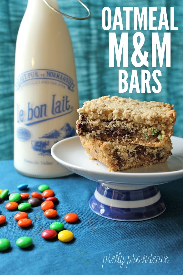 Oatmeal Fudge M&M Bars - Everyone will devour these at your next party! M&M #BakingIdeas