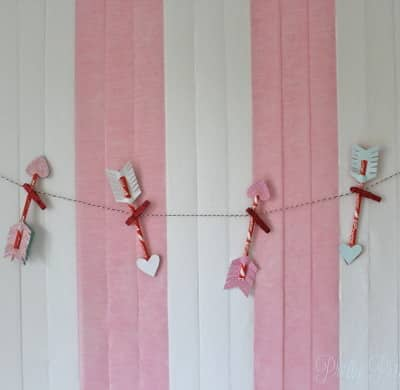 Valentine's party favor banner | when the party's over you can take down the candy arrows and give them out as party favors!