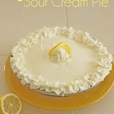 Yummy lemon sour cream pie!