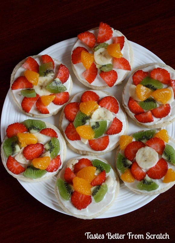 Mini Fruit Pizzas - made with classic sugar cookies! To die for.