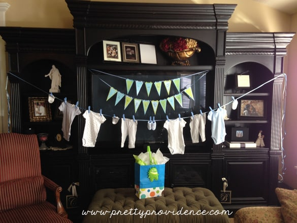 oh-boy-baby-shower-clothes-hanging