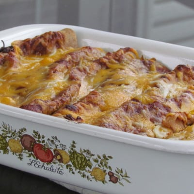 Chicken & Black Bean Enchiladas @ ThrivingHomeBlog.com