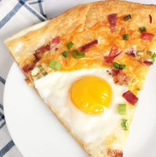 Breakfast Pizza with Crescent Rolls