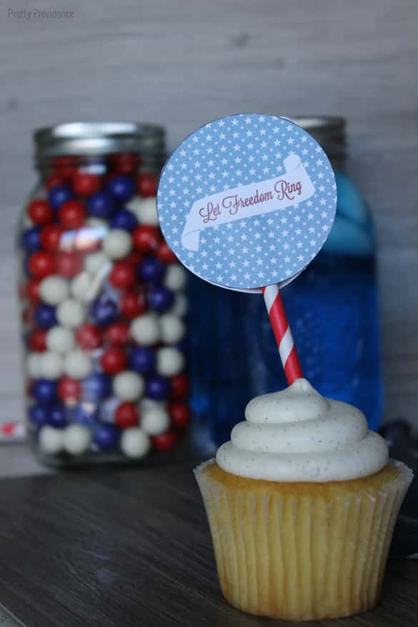 Fourth of July cupcake and mason jar toppers! {Free Printable}