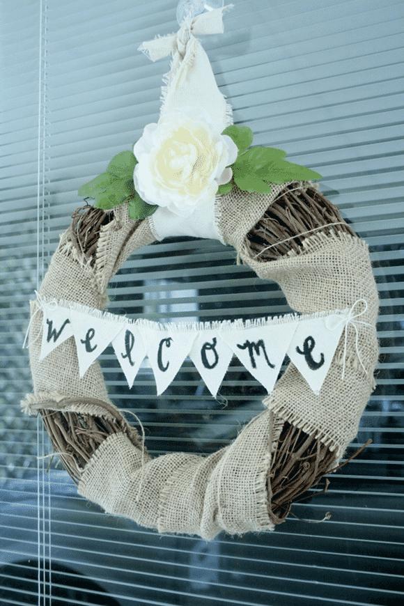 DIY // Burlap Welcome Wreath
