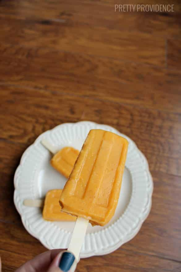 Pumpkin Pudding Pops - basically pumpkin pie in a popsicle form! So yummy!