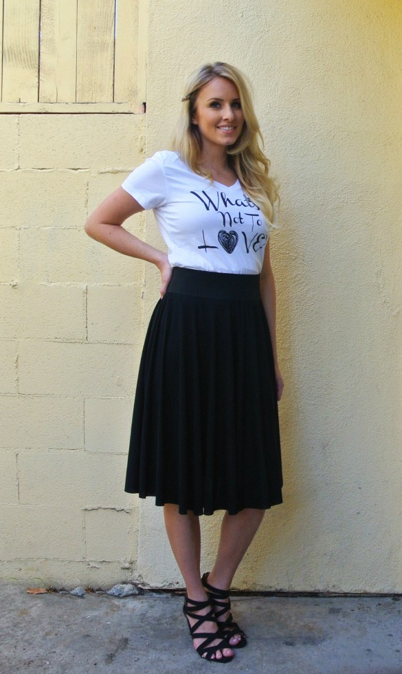 DIY Knit Circle Skirt, just cut circle and add a waistband! Full tutorial on blog