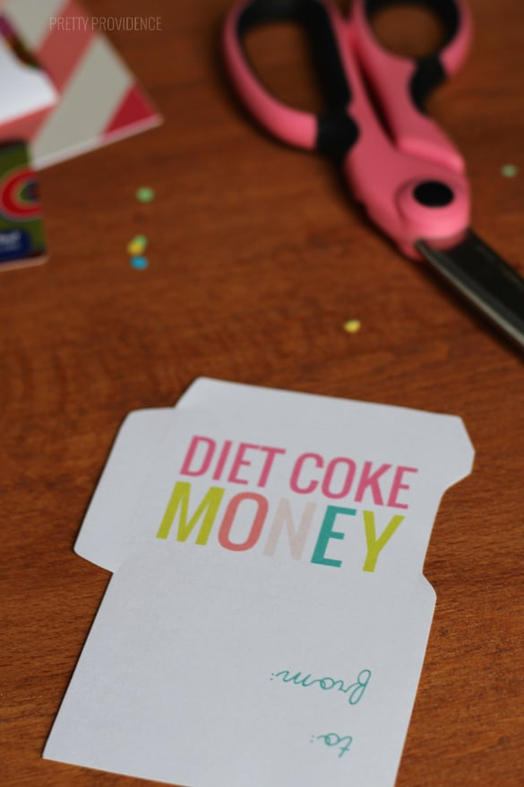 Free printable gift card sleeve for a diet coke lover! (more generic sleeves too in this post!)