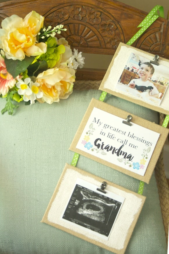 DIY hanging frames that look like mini clipboards! These are SO cute and easy to make.