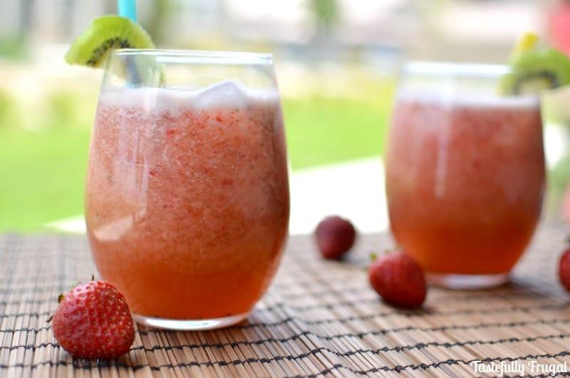 Strawberry Kiwi Agua Fresca www.prettyprovidence.com