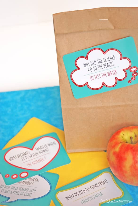 These lunch box jokes are perfect for back to school! {OneCreativeMommy.com} Free printables