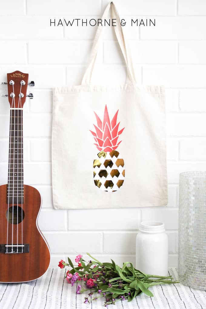 pineapple+heat+vinyl+transfer+onto+a+bag 9