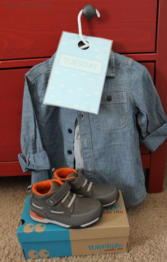 Organize kids clothes & make it easy for them to get dressed themselves with free printable door hangers!