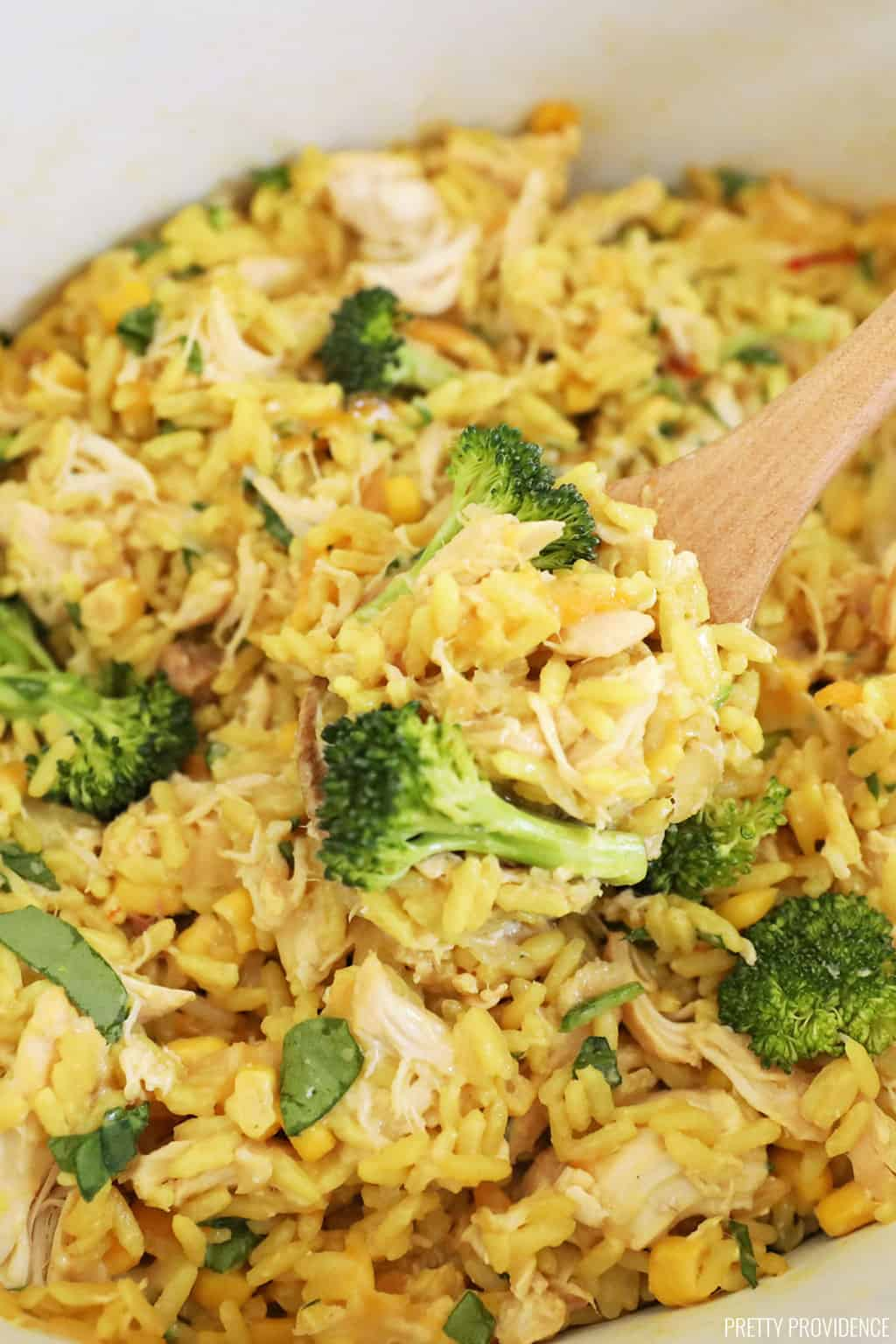 Slow Cooker Cheesy Rice and Chicken Casserole
