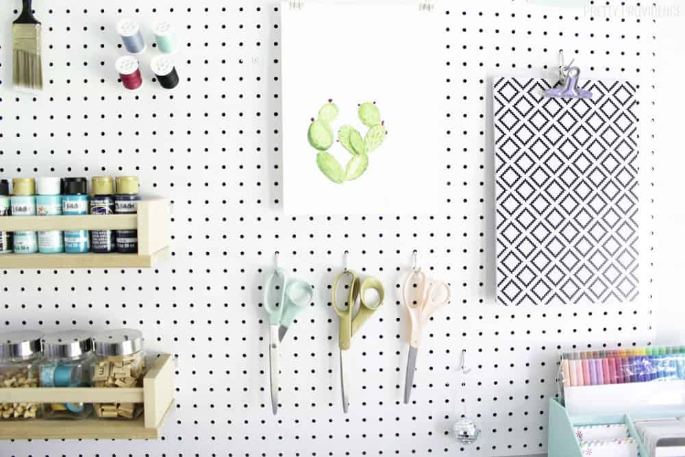 This pegboard craft room organization is awesome!