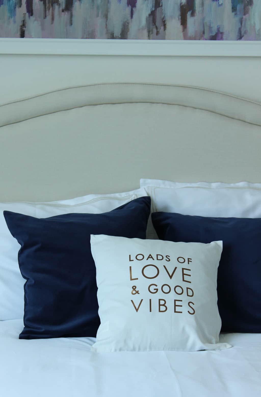 I am in love with this clean and classy guest bedroom makeover! Definitely wanting a few of these pieces for my house!