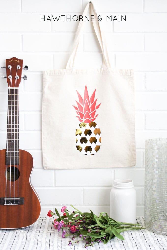 pineapple+heat+vinyl+transfer+onto+a+bag 9