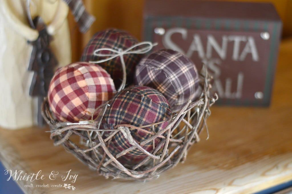 Plaid Ball Ornaments - Made these fabulous Plaid Ball Ornaments, perfect for your rustic Christmas and holiday decor.