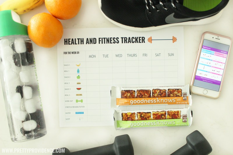I am in love with this free printable health and fitness tracking sheet! It helps me so much to eat better when I write everything down, this makes it so easy!