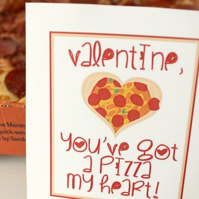 "How freaking adorable are these ""Pizza my Heart"" free printable Valentines?! Such a fun and easy Valentine's dinner for your family!"