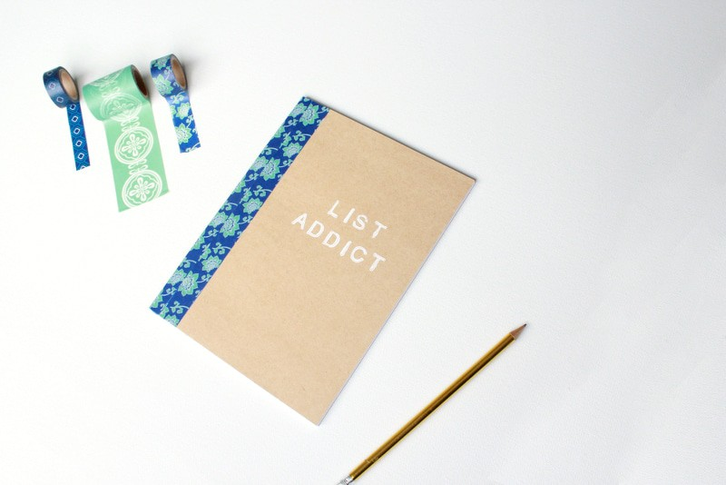Easy personalized washi notebooks! These are so fun and make a great gift!