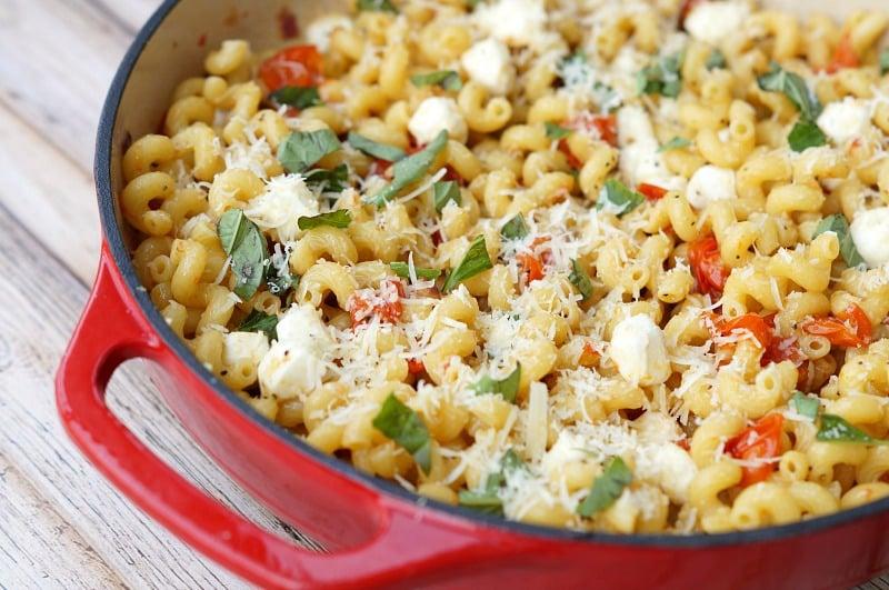 Roasted Tomato Caprese Pasta