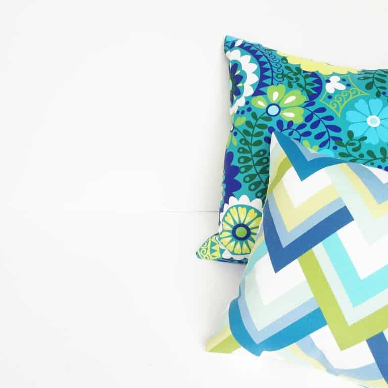 Cute retro patio makeover - pillow patterns!