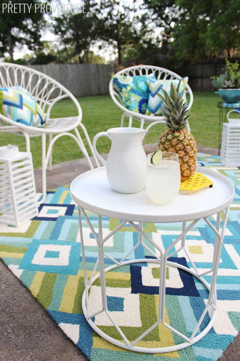 patio-makeover-table-pineapple