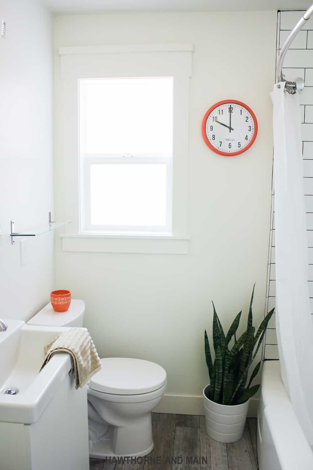 Check out this great IKEA clock makeover. It looks super easy and I love the custom text at the bottom. So fun. Time really flies by!
