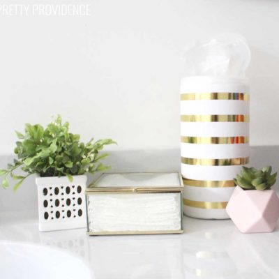 How to Keep Your Bathroom Tidy & Smelling Fresh!