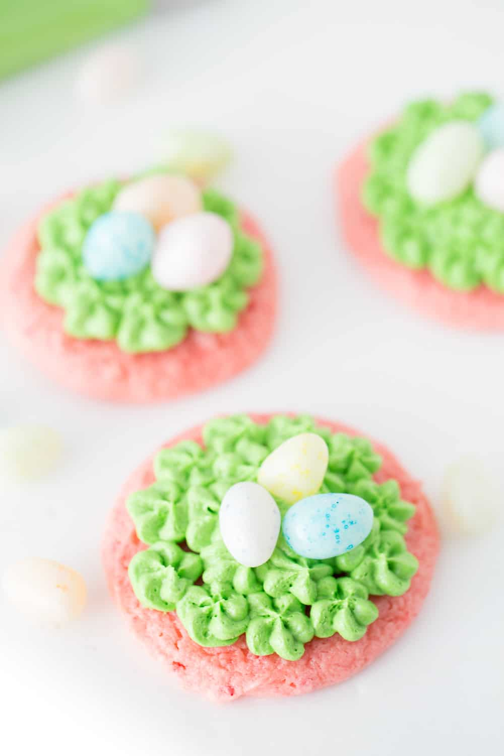 Easter Egg Cookie Baskets are a great Easter treat for the kids!