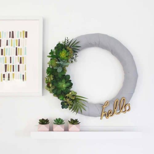 Easy 'HELLO' Succulent Wreath