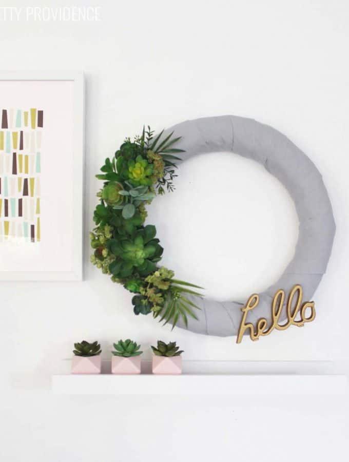 Easy 'HELLO' Succulent Wreath