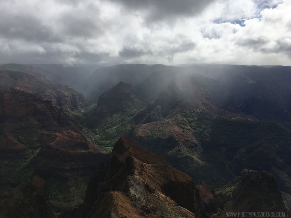 Must do when you go to Kauai! From what to do for fun, to where to eat, to where all the must have treats are!