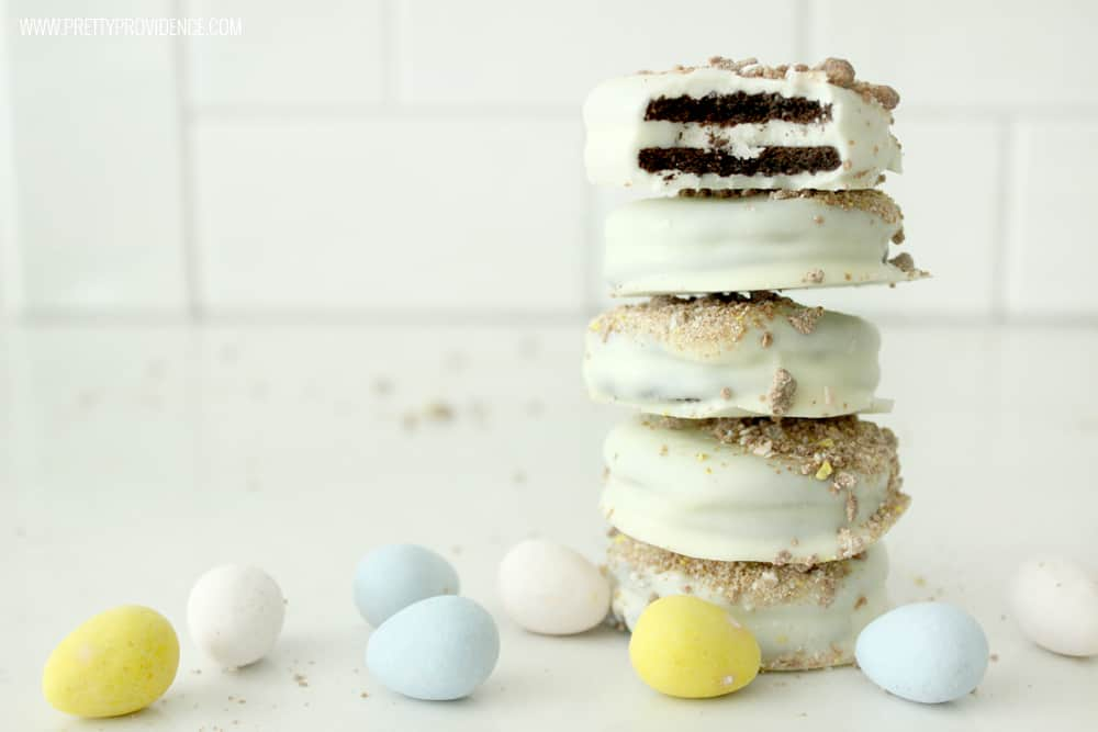These white chocolate cadbury covered oreos are WHAT DREAMS ARE MADE OF!!! But seriously though, best treat ever! Perfect to bring to your Easter gatherings or to use up those Cadbury eggs that the Easter Bunny brings!