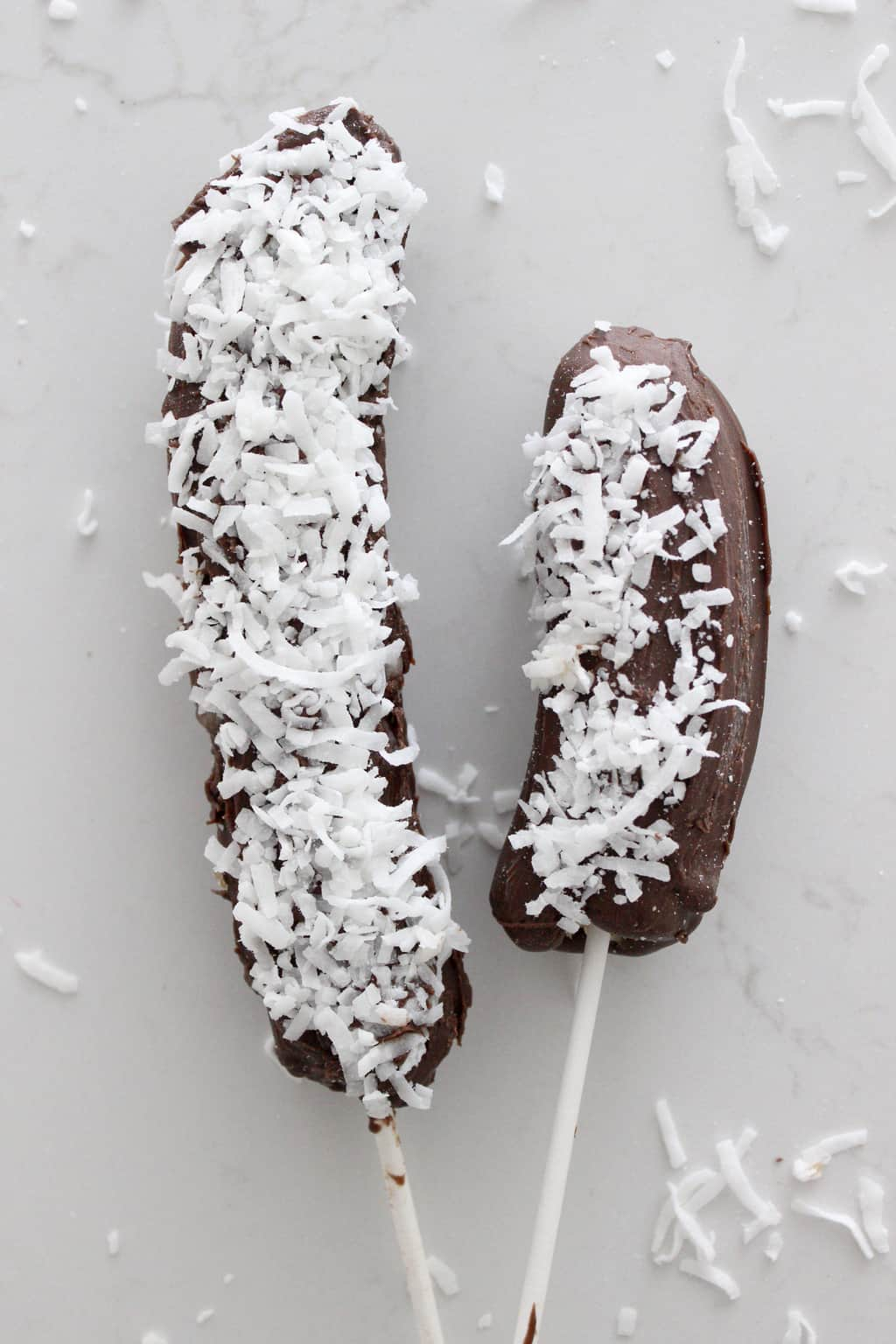 frozen-chocolate-covered-bananas-coconut