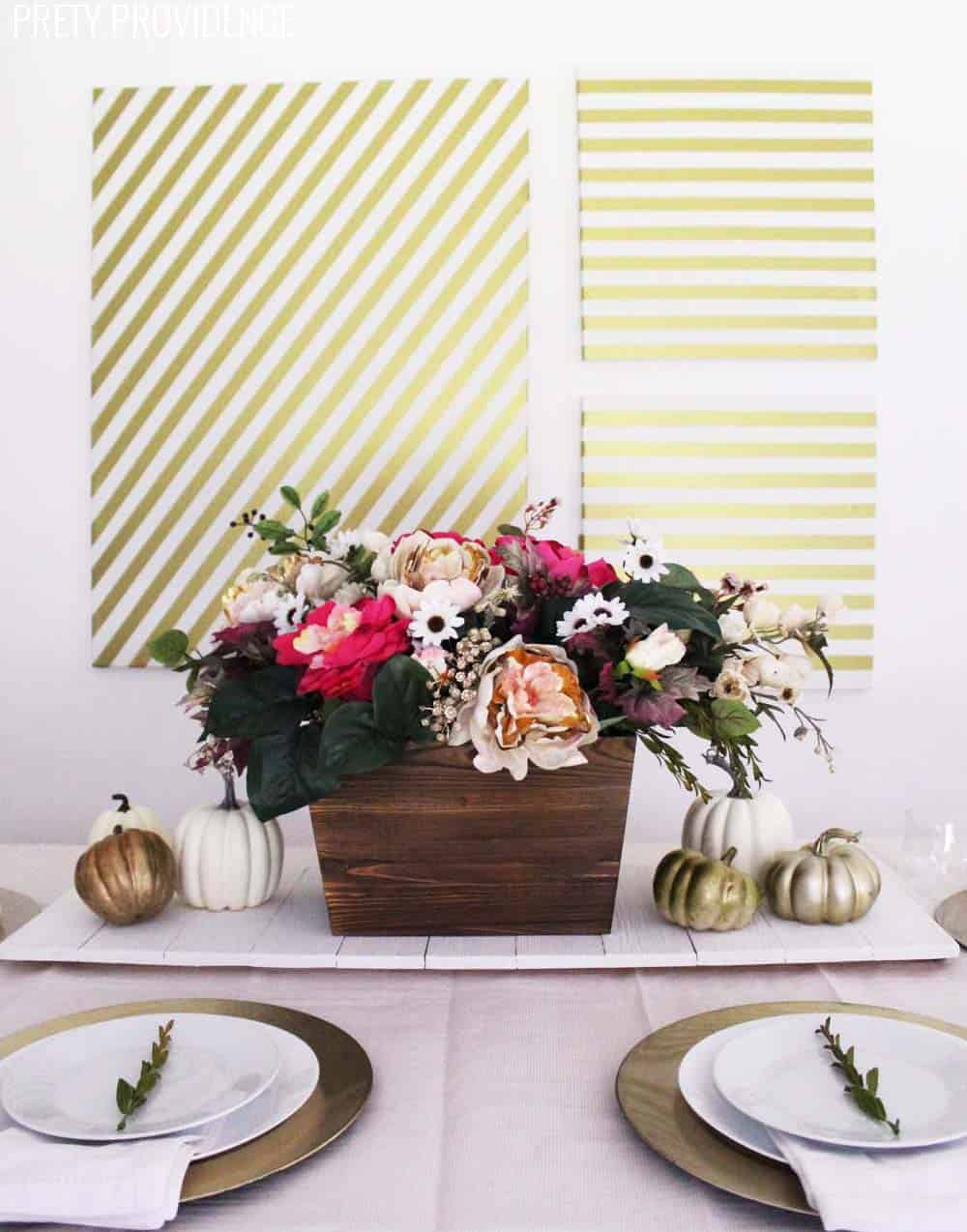 This fall table decor is perfect for thanksgiving!! You can't go wrong with floral table decorations!