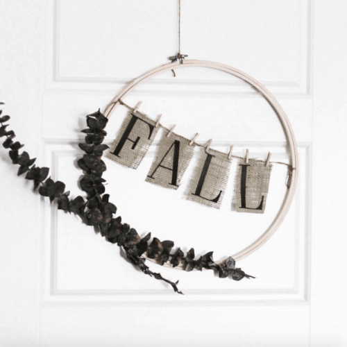 Interchangeable Wreath For Fall or Spring