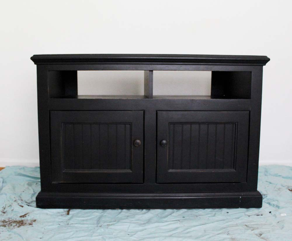 behr-box-challenge-painted-tv-stand1