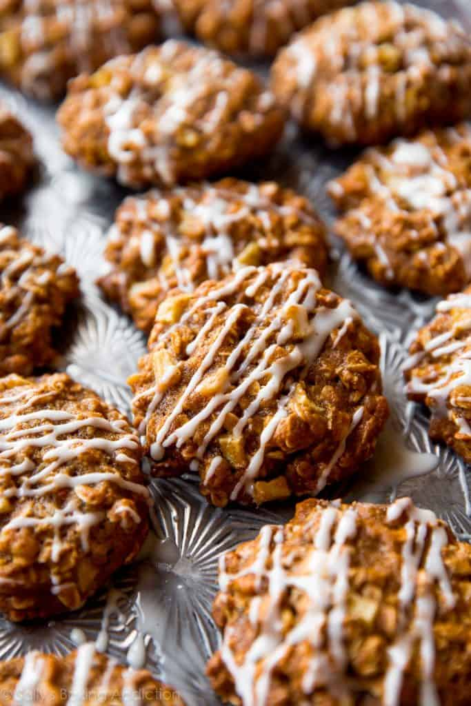 apple-cinnamon-oatmeal-cookies-2
