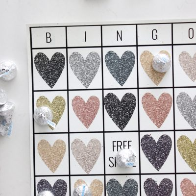 How fun are these free printable Valentine's Day Bingo cards?! They are perfect for class parties or just something fun to do at home with the little ones! So cute!