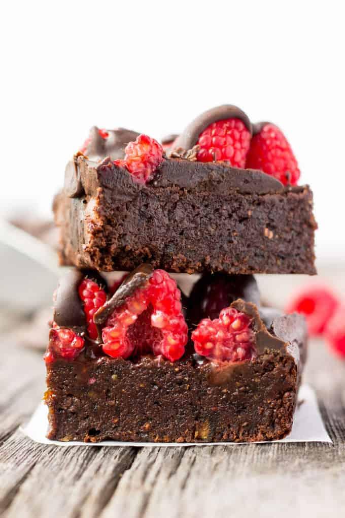 raspberry-chocolate-protein-brownies-6