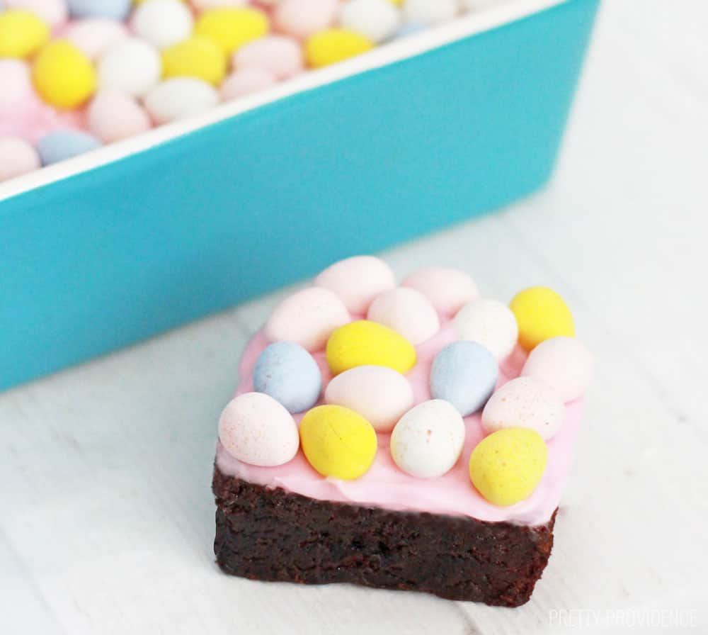 Brownies. Cream cheese frosting. Cadbury mini eggs. Say no more!!! These Easter brownies are amazing!!!