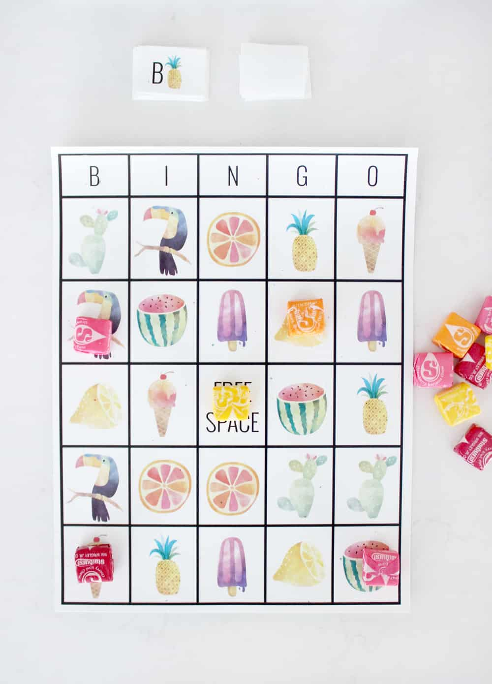 Have fun playing this adorable summer bingo! It's free to print and perfect for class parties or keeping little ones happy in the summer! #screenfree