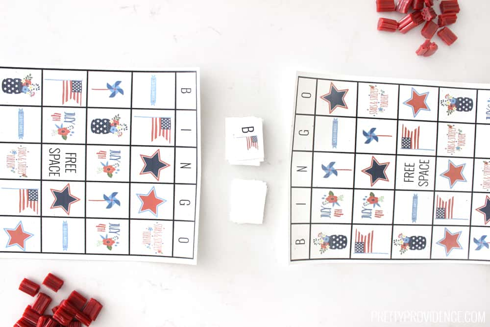 Super fun Fourth of July printable bingo game! Great way to entertain the littles if it's too hot to go outside!